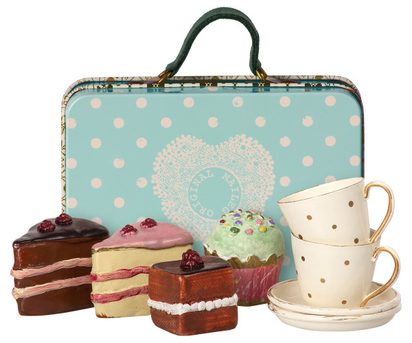 Suitcase mit 4 Cup Cakes and 5 Cups
