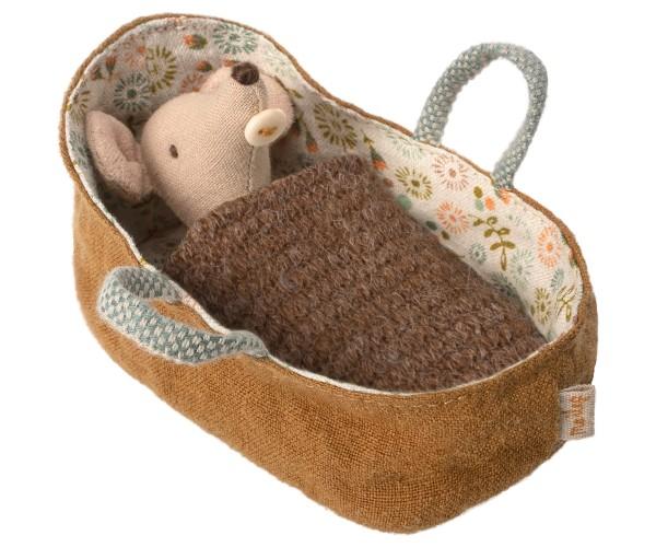 Maileg, Baby Maus in der Tragetasche